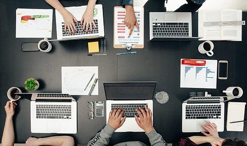 tech-meeting-flatlay-scaled.jpg