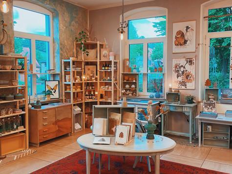 Laden & Außengastro wieder geöffnet.