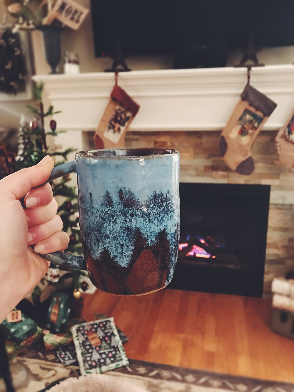 enjoying some koffee by the fire...