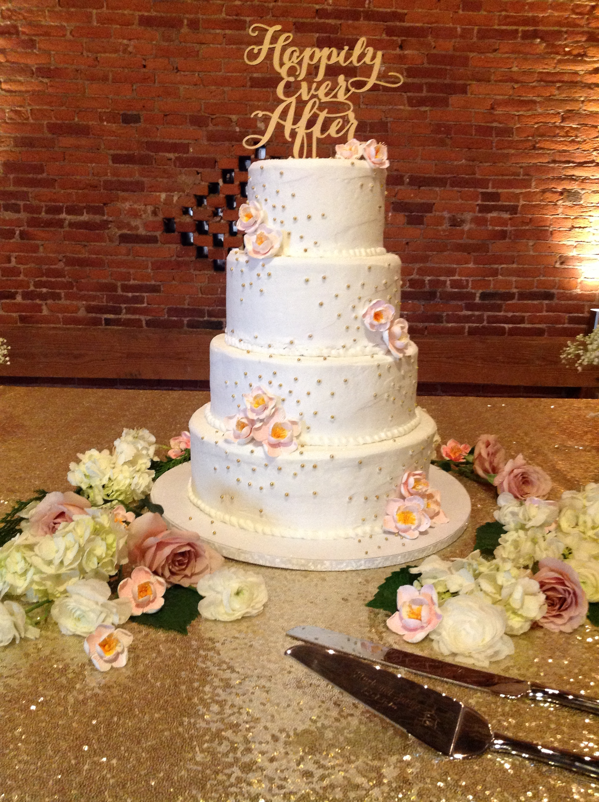 country barn wedding cake.JPG