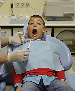 Clínica dental Madrid Dr. Estévez, dentista en Madrid, dentista para niños barrio del pilar
