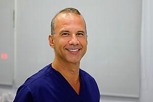 Clínica Dental Dr. Estévez, dentista