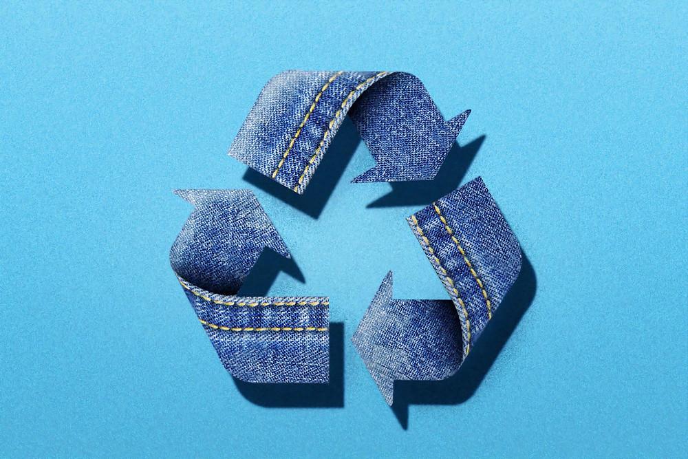 Simbol daur ulang yang merepresentasikan fokus utama dari ekonomi sirkular yaitu keberlanjutan