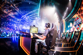 Freelance: 2017 eSports Betting: Master's Coliseum Preview and Prediction