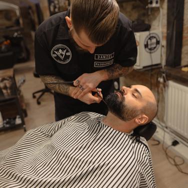mad7_daniel_beard_shave.jpg