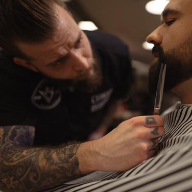 mad7_daniel_beard_shave_detail.jpg