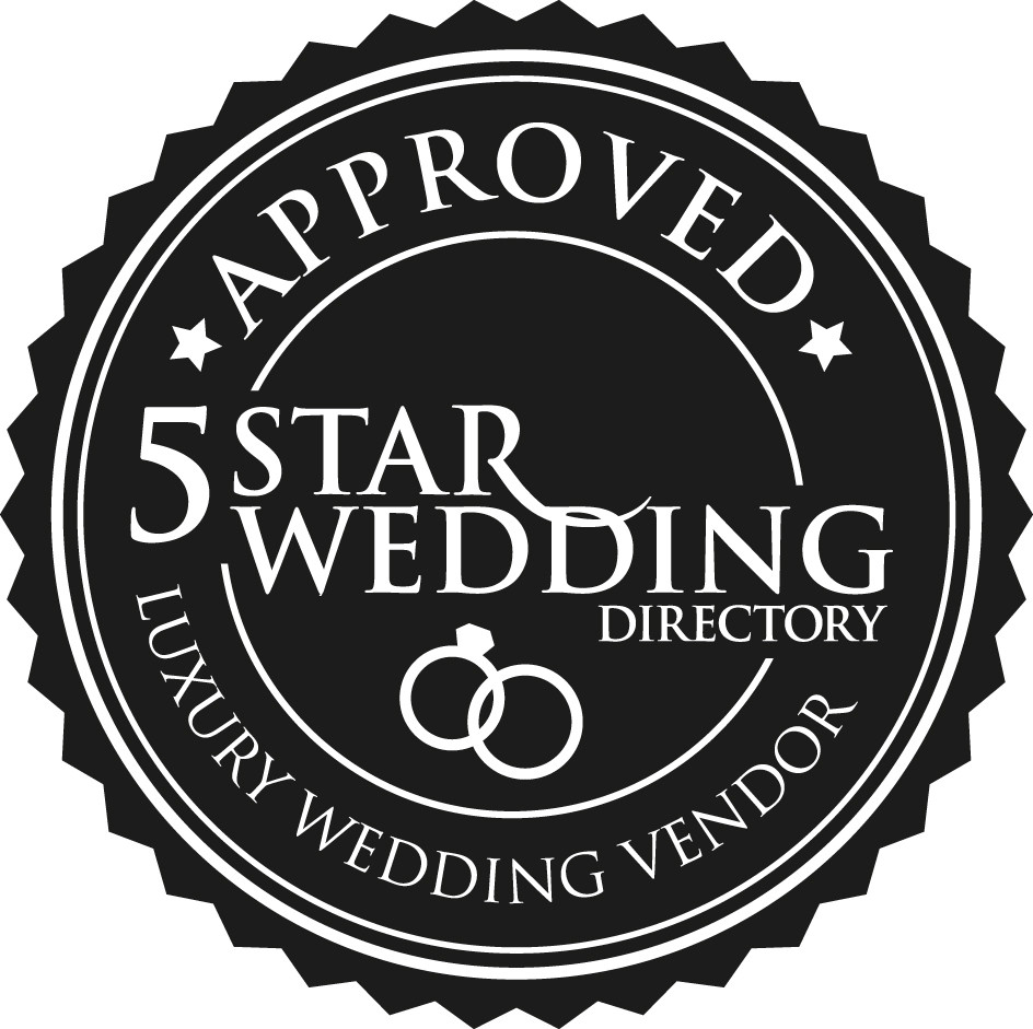 Top wedding photographers Toronto Little Blue Lemon wins 5 star wedding directory Luxury Weddings