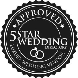 Top wedding photographers Toronto Little Blue Lemon wins 5 star wedding directory Luxury Weddings