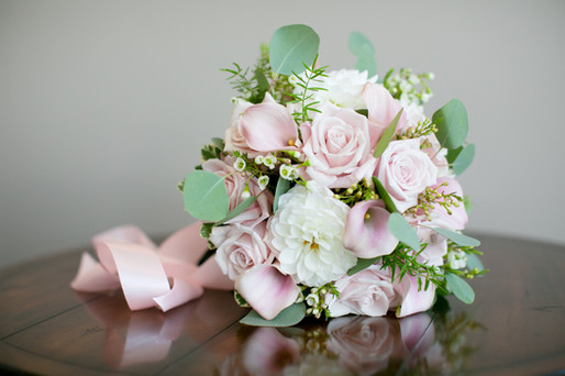 stunning Toronto wedding photography by Little Blue Lemon of blush pinks, white and green bridal bouquet