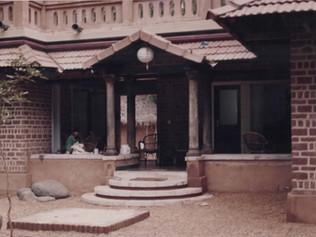 LARRY HOUSE