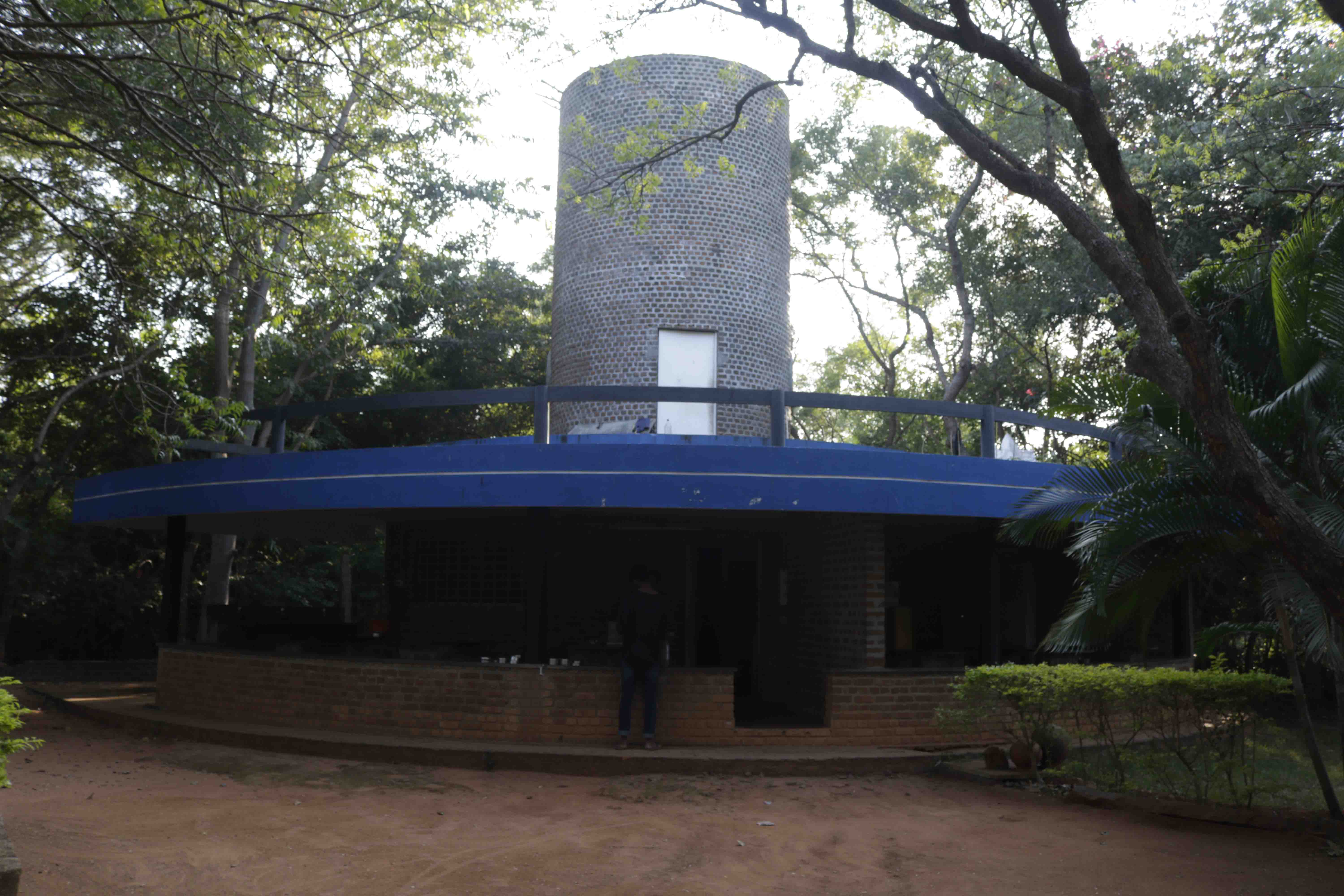 WATER TANK AND LUNCH AREA