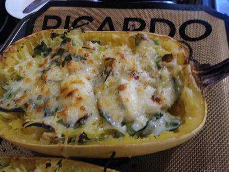 Courge spaghetti farcie au fromage et légumes