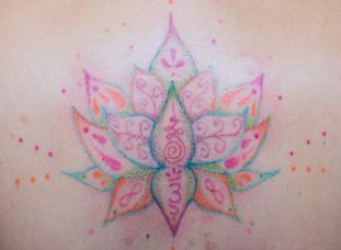 Tatuaje Hand-Poke-Tatuaje sin máquina pa