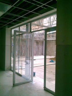 Puertas de aluminio serie 35