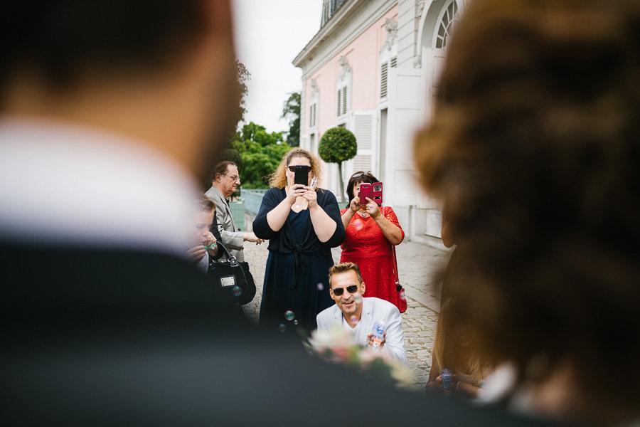 012_Wedding_Story_900px_Q85_023.jpg