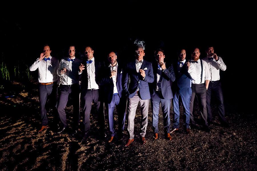 Gruppenbild Männer auf der Hochzeit