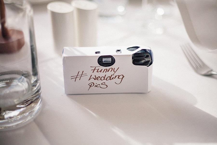 Einwegkamera auf der Hochzeit