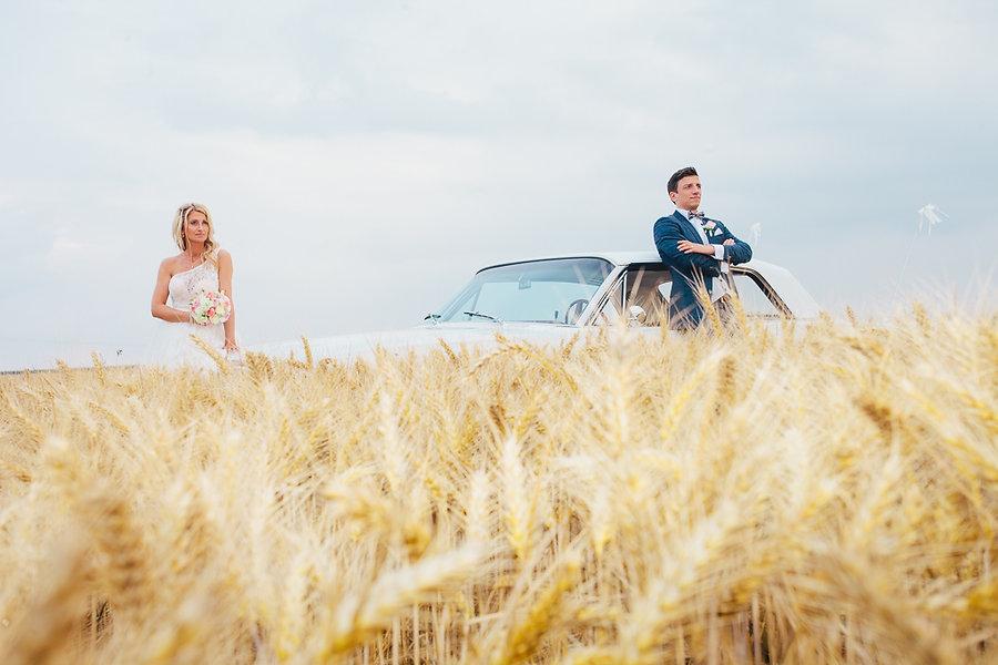 Paarshooting in einem Weizenfeld