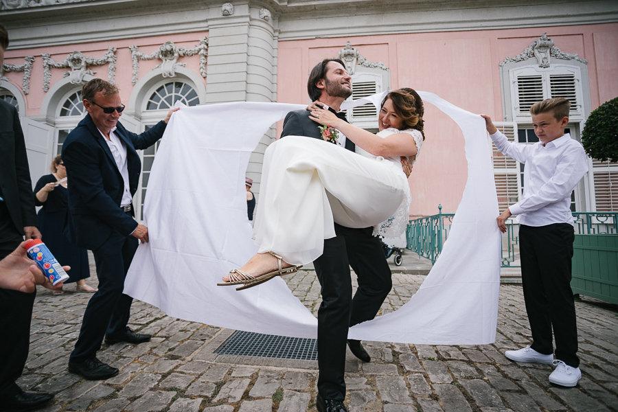 012_Wedding_Story_900px_Q85_029.jpg