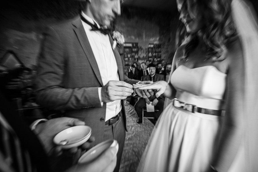 Ringtausch bei der Zeremonie