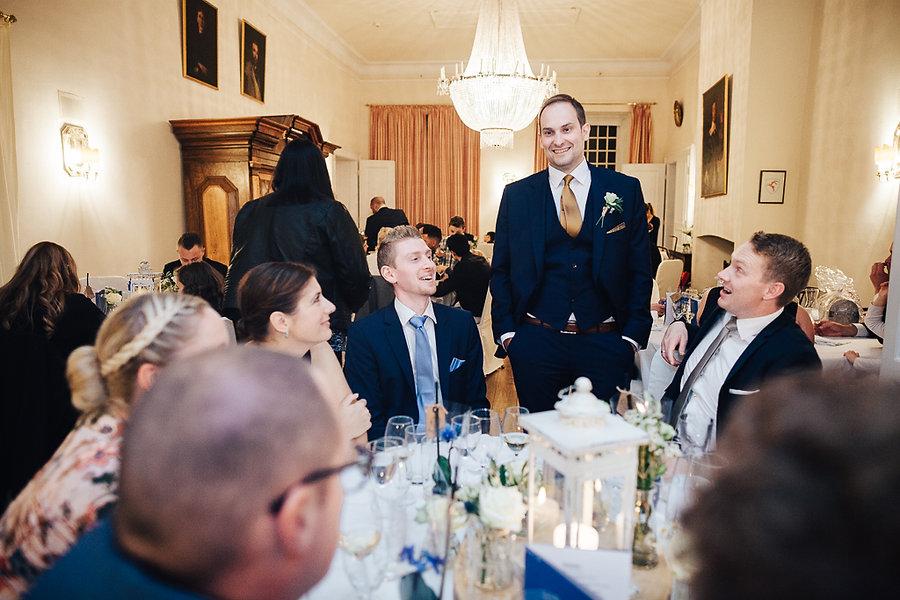 Bräutigam bei der Hochzeit