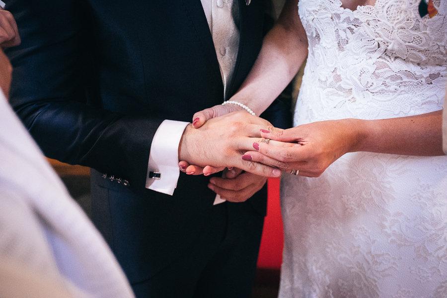 013_Wedding_Story_900px_Q85_029.jpg