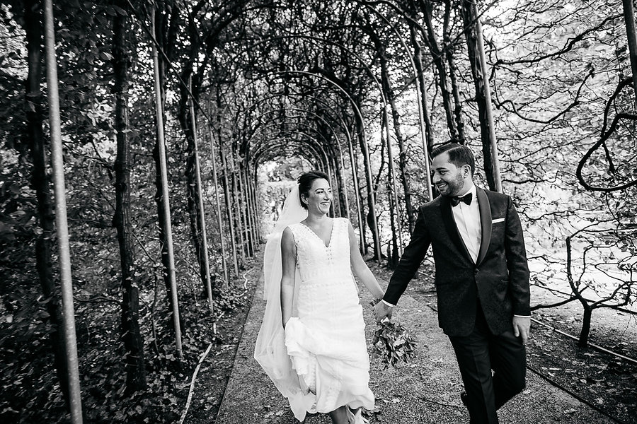 Brautpaarshooting in schwarz weiß