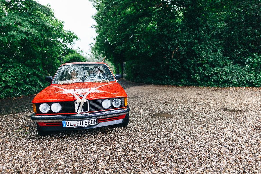 BMW Oldtimer auf einer Hochzeit
