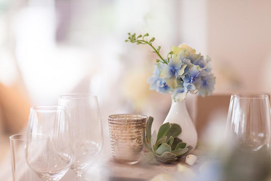 Tischdekoration auf der Hochzeit