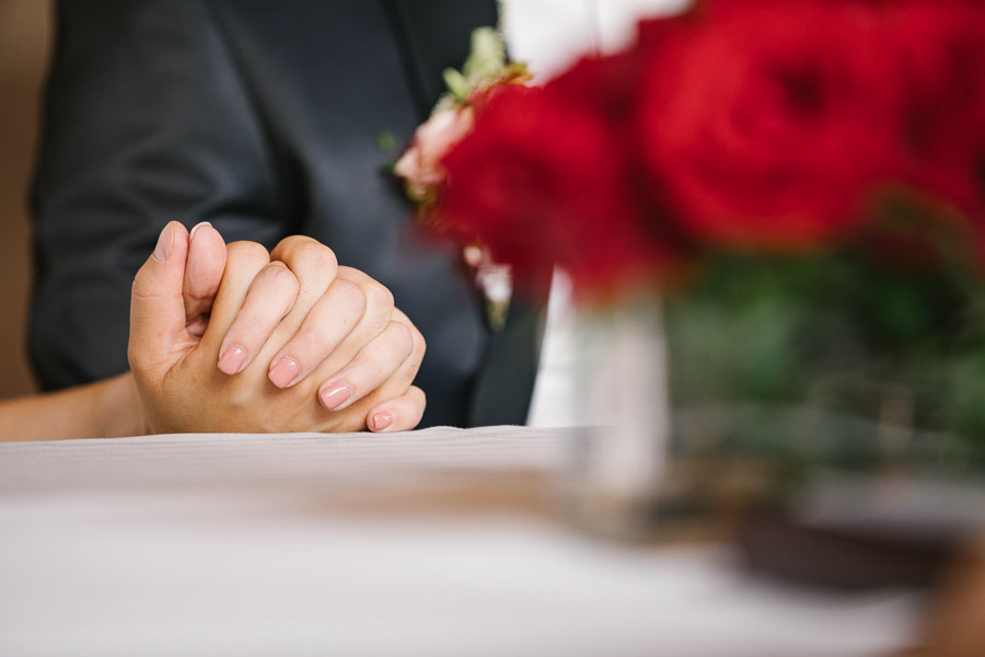 012_Wedding_Story_900px_Q85_015.jpg
