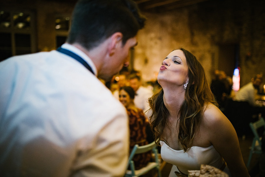 Kuss auf der Hochzeit