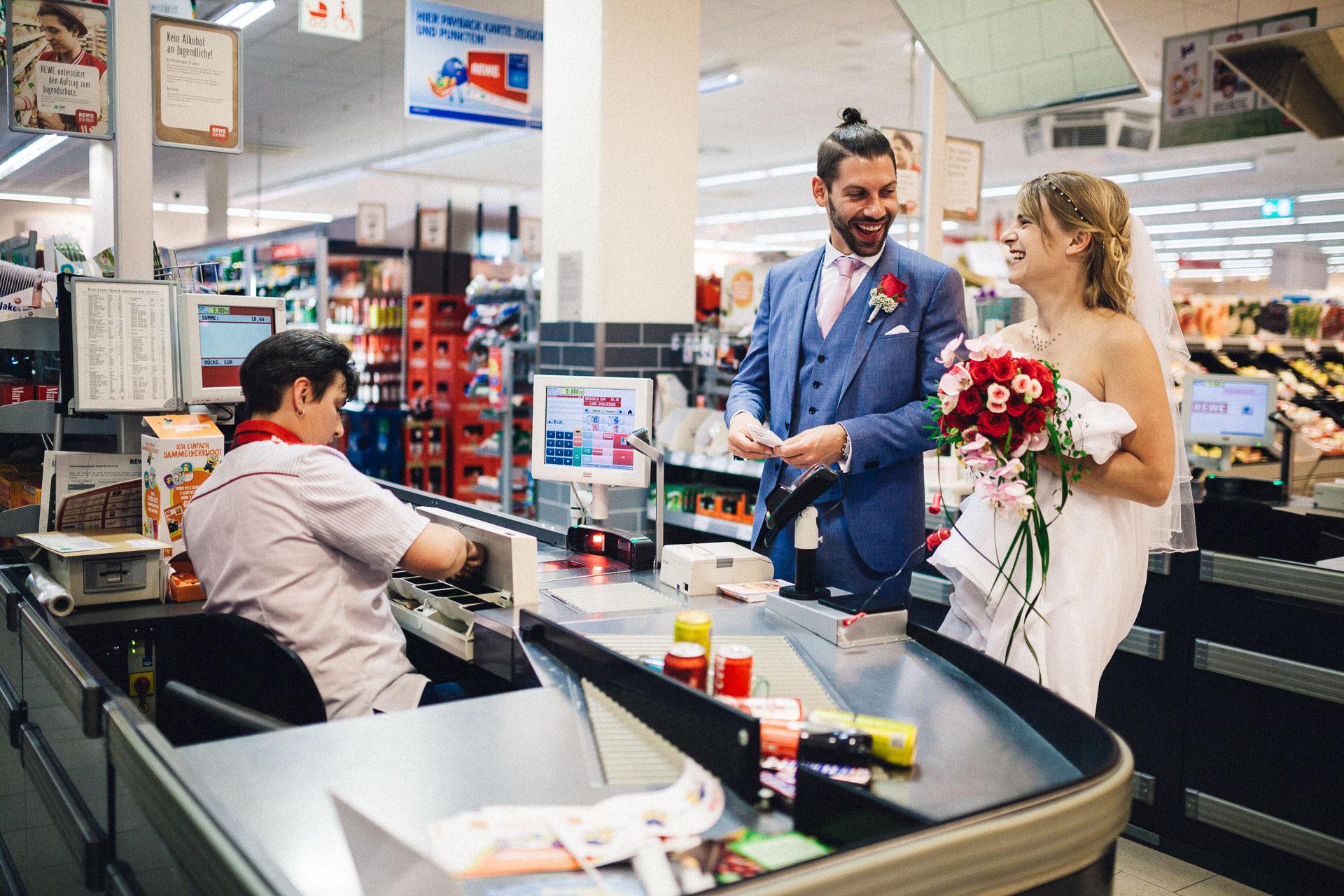 ~ Supermarkt-Hochzeit ~