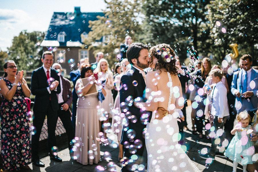 013_Wedding_Story_900px_Q85_031.jpg