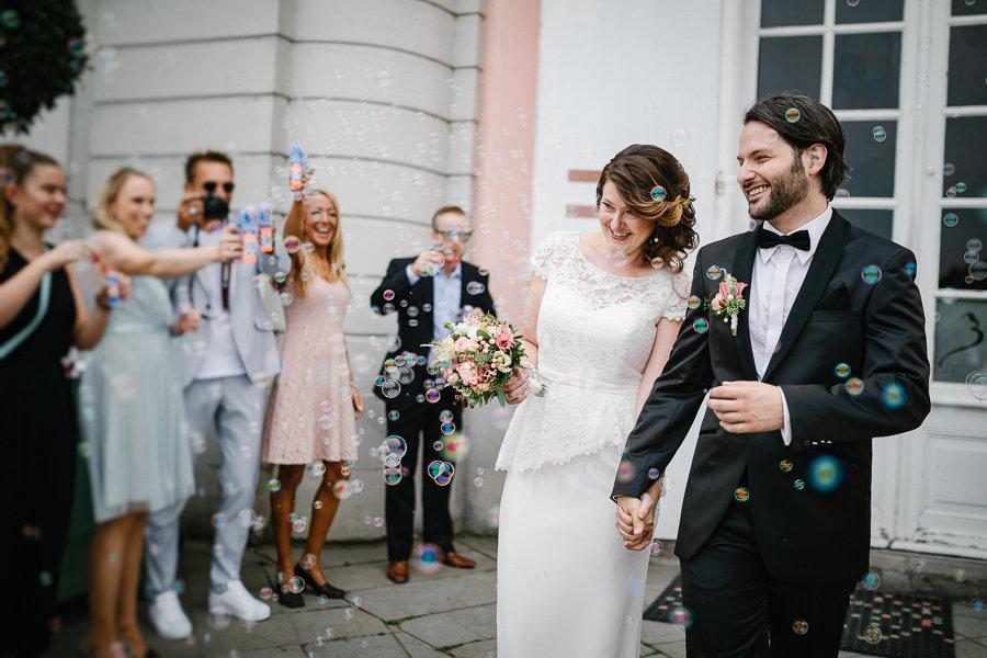 012_Wedding_Story_900px_Q85_022.jpg
