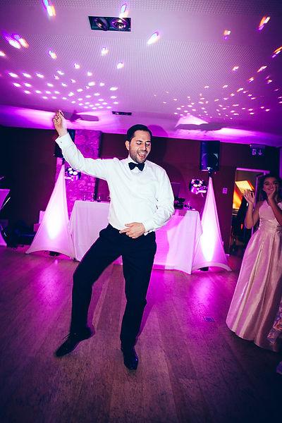 Bräutigam tanz auf der türkischen Hochzeit