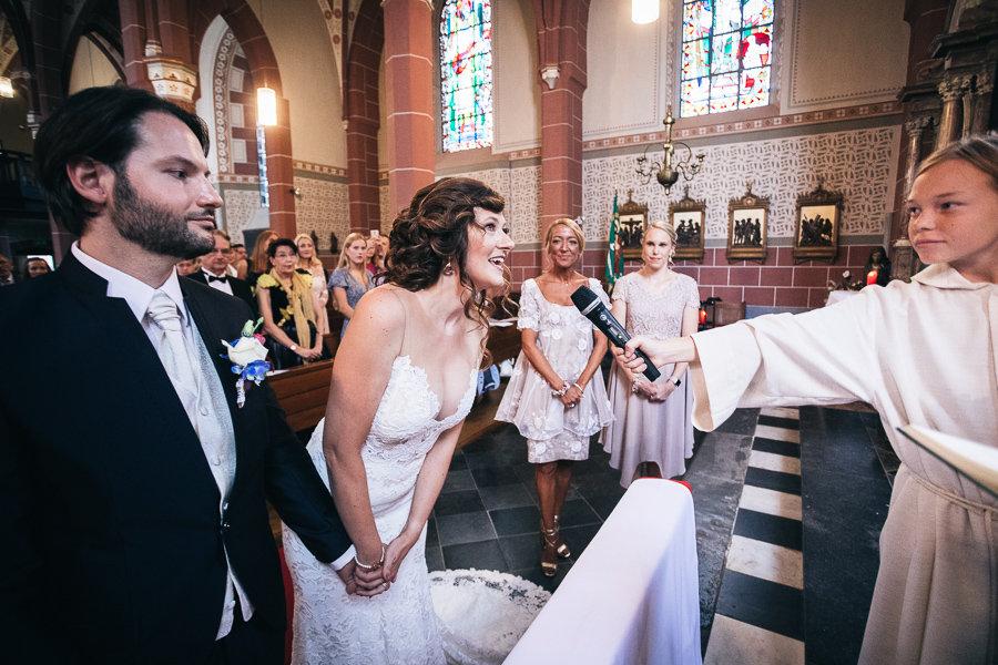 013_Wedding_Story_900px_Q85_028.jpg
