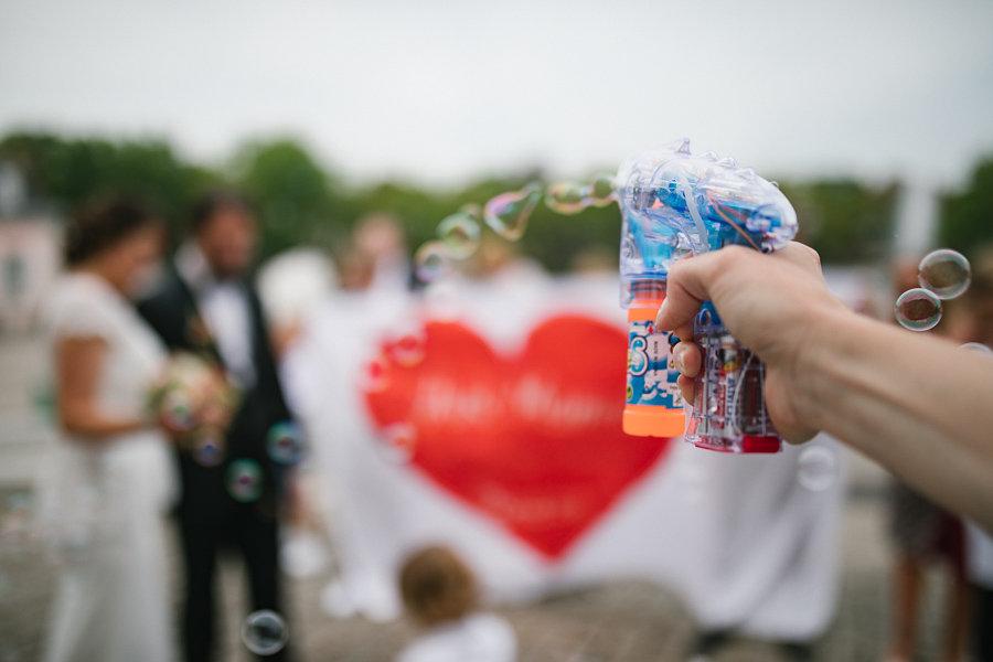 012_Wedding_Story_900px_Q85_024.jpg
