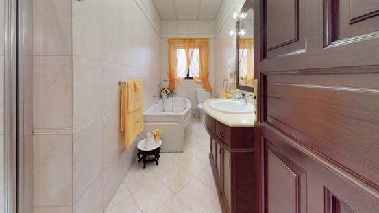 Msida-Apartment-Bathroom(1).jpg