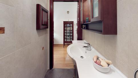 Msida-Apartment-Bathroom.jpg