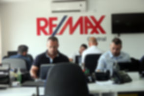 RE/MAX Central Attard agents at work