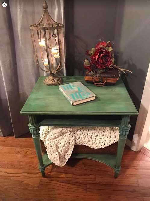 Bombay Company night stand / End table