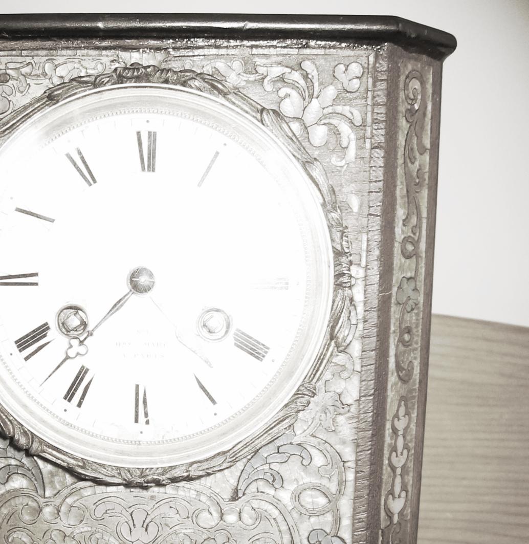 Detail - Mantlepiece clock