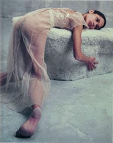 Bettina Reims, serie 'Héroïnes', 'Dany Verissimo, Polaroid No 1, Février 2005, Paris'