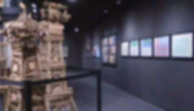 Vista parcial de la exposición, en 'La Collection de l'Art Brut souffle ses quarante bougies', La Télé, 2.03.2016. Cortesía de La Télé