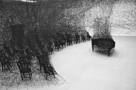 Chiharu Shiota, 'In Silence', 2008. Instalación 'State of Being', Bienne 2008. Foto Sunhi Mang