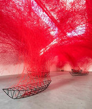Chiharu Shiota, 'Uncertain Journey', 2016. Instalación: 'Uncertain Journey', Berlin, 2016. Foto Christian Glaeser