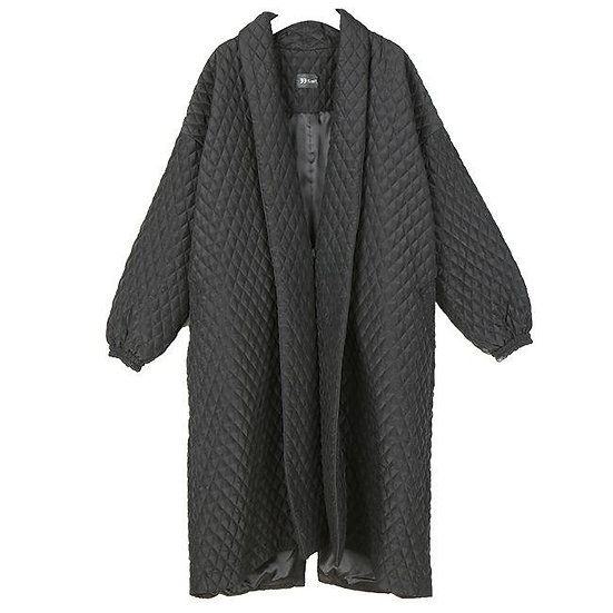 Women's Alvera Button Back Quilted Coat in Obsidian Black