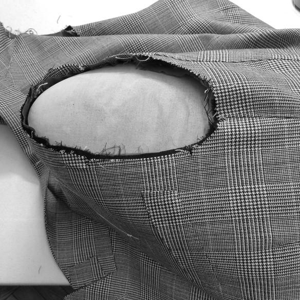 ハンドで袖付け