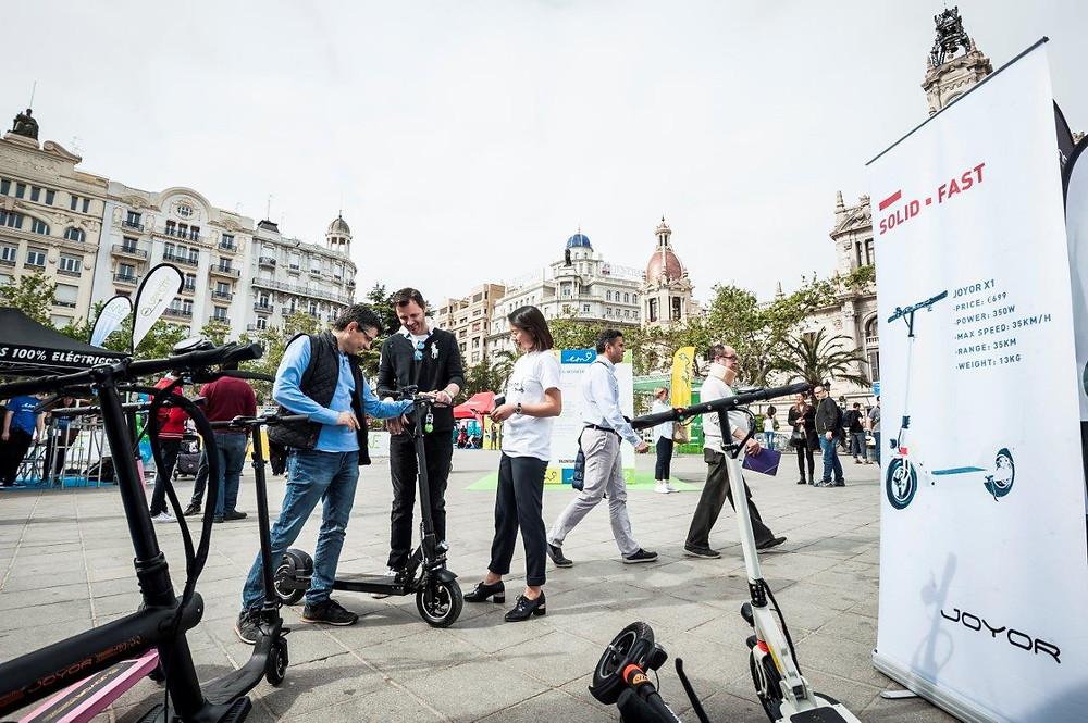prueba del patinete eléctrico Joyor en Electric Movements en Valencia