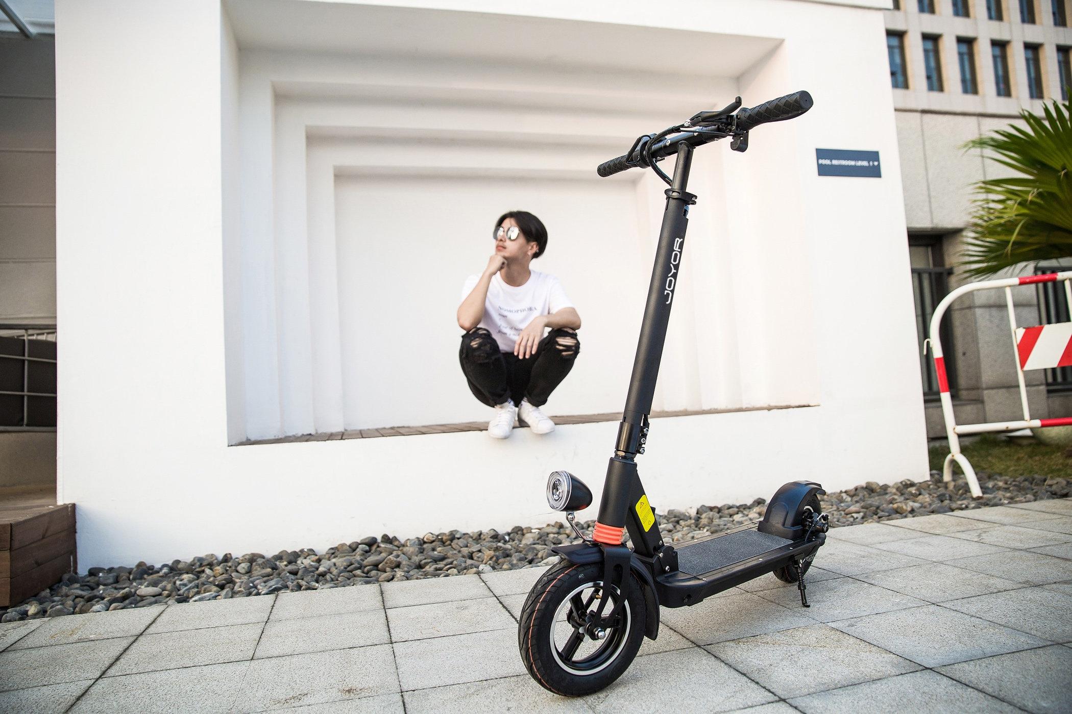 Joyor Scooter / X1 Black/White, 350W, 35km/h, Distance 30-35km